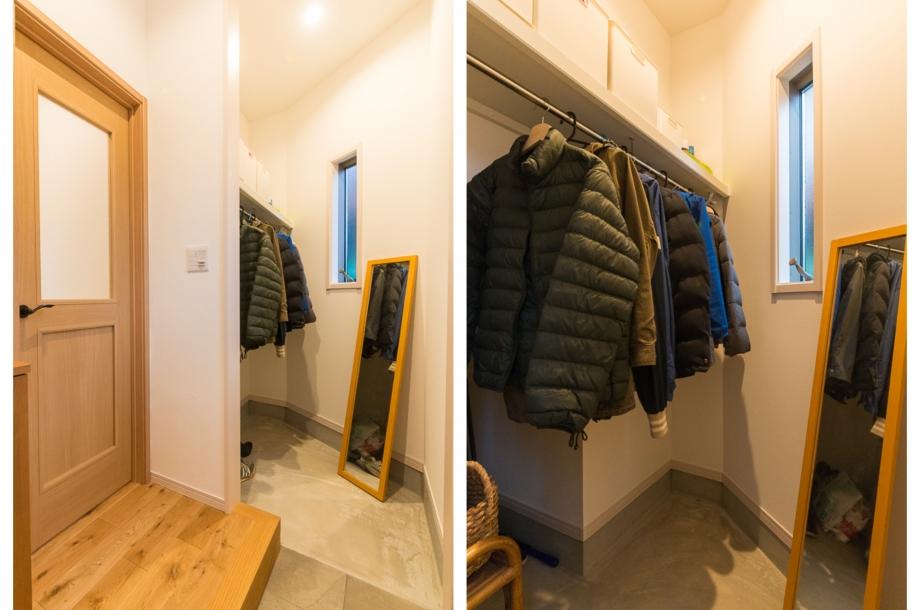 ハンガーパイプ付きのコートも掛けられる土間収納。